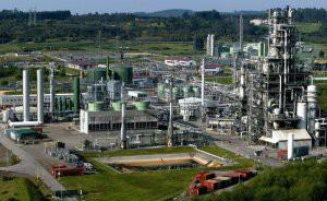 OVD01 Tabaza (Asturias), 13-4-04.- Vista de las instalaciones de multinacional química estadounidense DuPont en La Tabaza (Asturias), fabrica que emplea a unas 1.000 personas. EFE/ Alberto Morante